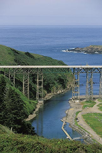 image 5-640-79 California, Mendocino County, Albion River Bridge