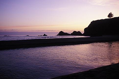 image 5-641-11 California, Mendocino County, Navarro River Redwoods State Park, Beach at sunset