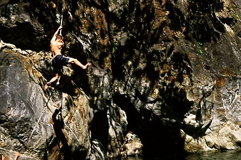 image S4-220-9 California, Big Sur, Cliff diving