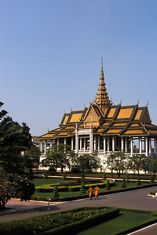 image S3-205-5 Cambodia, Phnom Penh, Royal palace