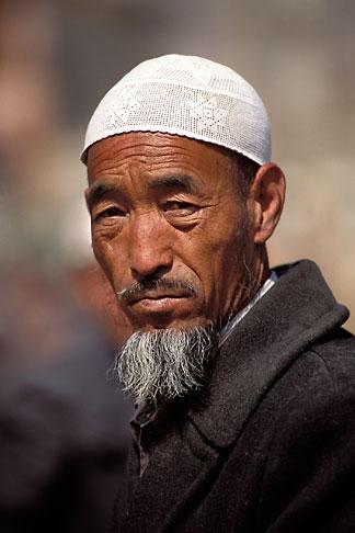image 4-115-25 China, Gansu Province, Hui farmer, Linxia County