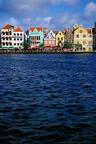 image 3-436-1 Curacao, Willemstad, Handelskade waterfront, historic buildings