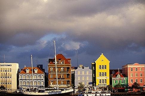 image 3-436-19 Curacao, Willemstad, Handelskade waterfront, historic buildings