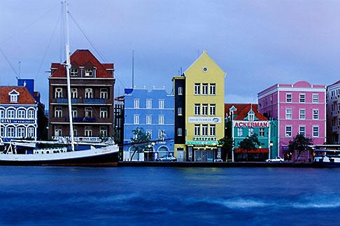 image 3-436-24 Curacao, Willemstad, Handelskade waterfront, historic buildings