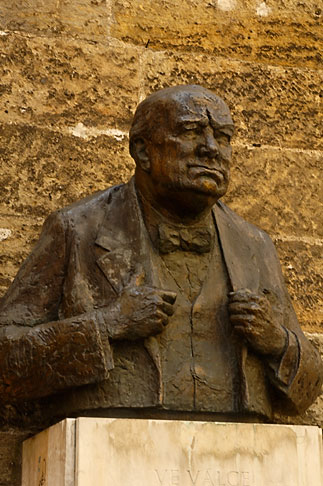 image 4-960-6509 Czech Republic, Prague, Bust of Winston Churchill