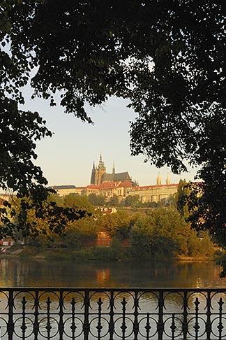 image 4-960-6771 Czech Republic, Prague, Hradcany castle and River Vlatava