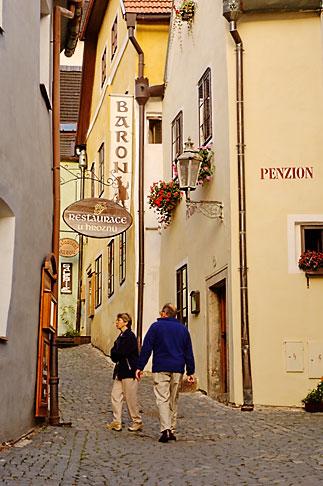 image 4-960-7189 Czech Republic, Cesky Krumlov, Village street scene