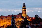 cesky krumlov castle and the vlatava river stock photography | Czech Republic, Cesky Krumlov, Cesky Krumlov castle and town at night, image id 4-960-7313