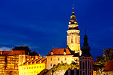 cesky krumlov castle and the vlatava river stock photography | Czech Republic, Cesky Krumlov, Cesky Krumlov castle and town at night, image id 4-960-7326
