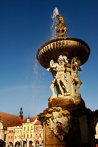 image 4-960-829 Czech Republic, Ceske Budejovice, Samson Fountain, main square