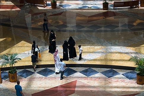 image 8-730-1895 United Arab Emirates, Dubai, Shopping mall interior