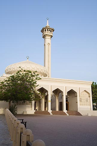 image 8-730-236 United Arab Emirates, Dubai, Bastikiya Mosque, courtyard