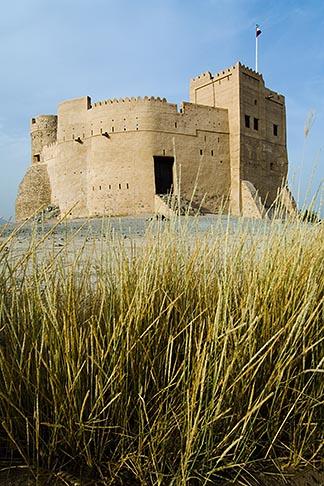 image 8-730-417 United Arab Emirates, Fujairah, Fujairah Fort, built in 1670, oldest fort in the Emirates