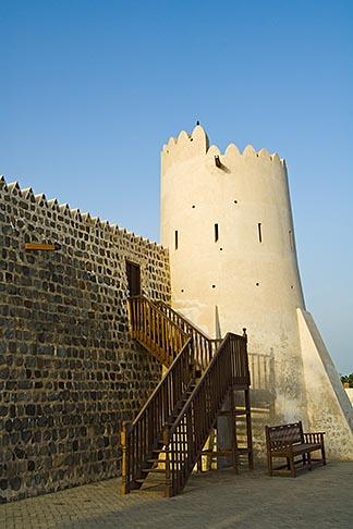 image 8-730-440 United Arab Emirates, Fujairah, Fujairah Fort, built in 1670, oldest fort in the Emirates