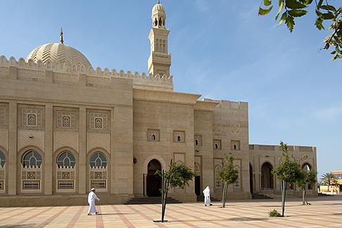 image 8-730-8989 United Arab Emirates, Dubai, Mosque courtyard, Jumeirah