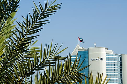 image 8-730-9595 United Arab Emirates, Dubai, Jumeirah Beach Hotel and palms