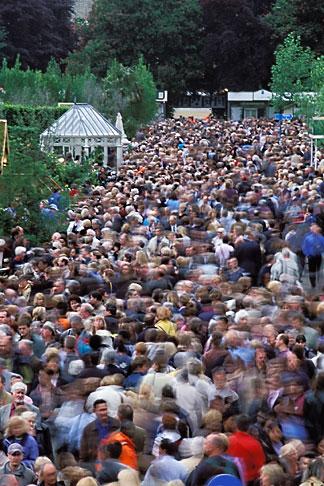 image 3-750-56 England, Chelsea Flower Show, Crowd scene