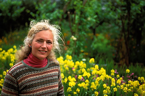 image 3-752-13 England, Chelsea Flower Show, Bonterra Organic Wine Garden, designer Kate Frey