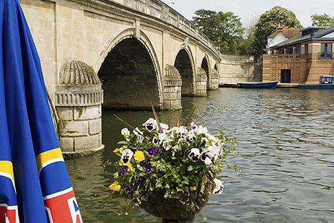 image 4-900-2071 England, Henley, Bridge over River Thames
