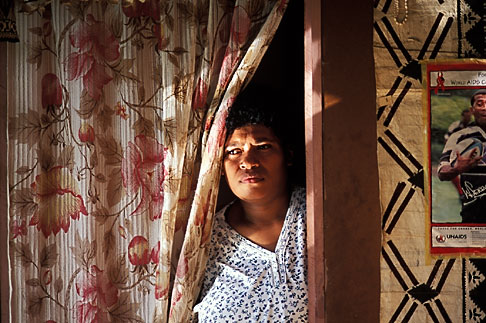image 9-530-38 Fiji, Woman, Nausori Highlands