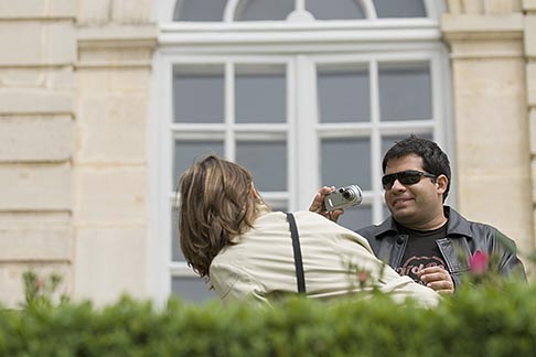 image 6-450-1270 France, Paris, Rodin Museum, Couple taking photos