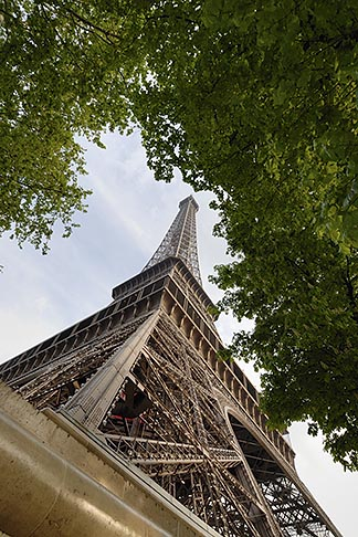image 6-450-363 France, Paris, Eiffel Tower