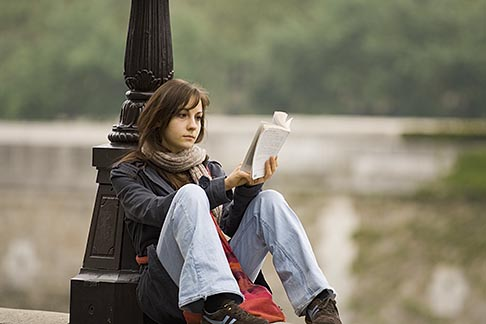 image 6-450-5841 France, Paris, Reading on the bank of the Seine