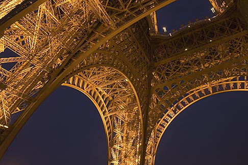 image 6-450-6082 France, Paris, Eiffel Tower at night