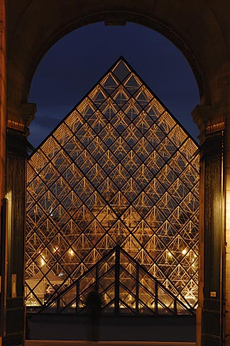 image 6-450-620 France, Paris, Musee du Louvre, Pyramide, night