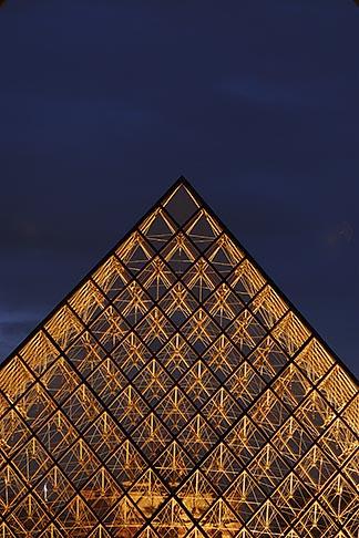 image 6-450-623 France, Paris, Musee du Louvre, Pyramide, night