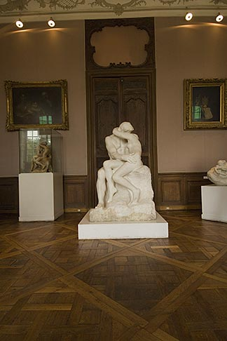 image 6-450-6723 France, Paris, Rodin Museum, The Kiss