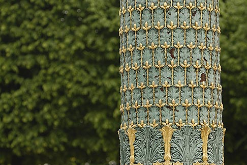 image 6-450-706 France, Paris, Jardin des Tuileries, Ornamental Lamp post