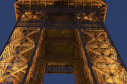 image 6-450-836 France, Paris, Eiffel Tower at night