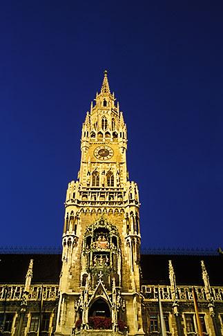 image 3-920-18 Germany, Munich, Neue Rathaus New Town Hall on Marienplatz