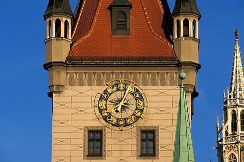 image 3-920-61 Germany, Munich, Altes Rathaus Old Town Hall, 1470
