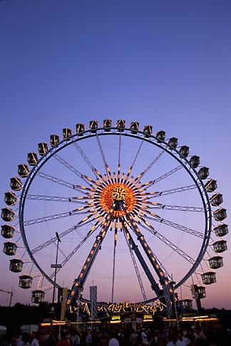 image 3-953-41 Germany, Munich, Oktoberfest, Ferris wheel