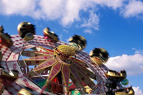 image 3-953-78 Germany, Munich, Oktoberfest, Carnival ride