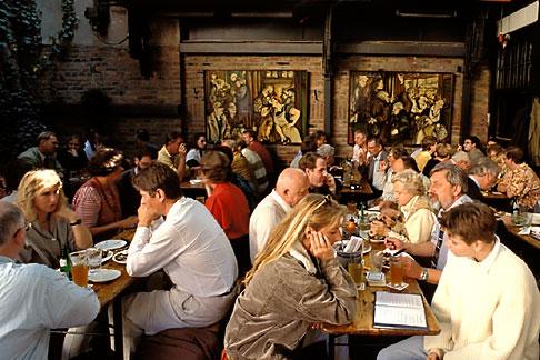 image 5-528-19 Germany, Frankfurt, Adolf Wagner applewine tavern, Sachsenhausen