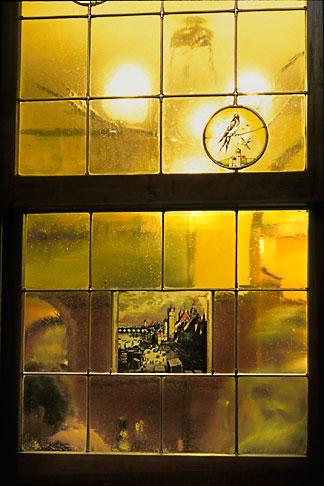 image 5-553-1 Germany, Frankfurt, Stained glass, Zum Gemalten Haus tavern