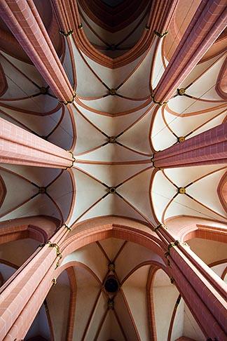 image 8-710-16 German, Frankfurt, Dom, Cathedral of St Bartholomew, ribbed vaulted ceiling