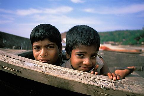 image 0-602-56 India, Goa, Children, Arambol Beach