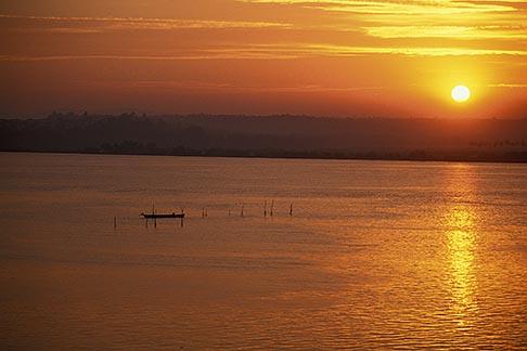 image 0-608-66 India, Goa, Sunrise over Mandovi River