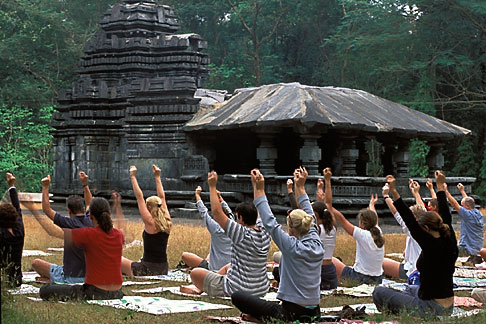 image 0-613-32 India, Goa, Yoga practise, Mahadevi temple,Tamdi Surla