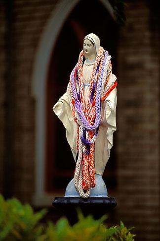 image 4-5-32 Hawaii, Maui, Statue of Virgin Mary