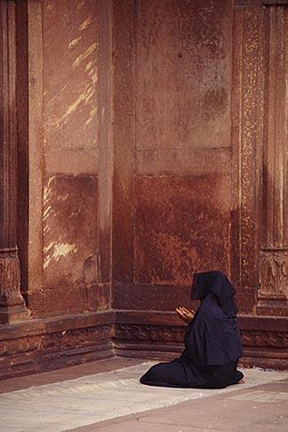 image 7-291-12 India, Delhi, Woman at prayer, Jama Masjid