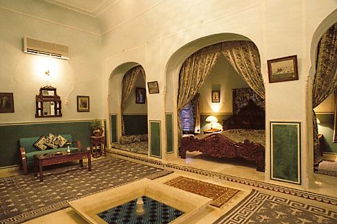 image 7-293-7 India, Rajasthan, Suite, Samode Palace