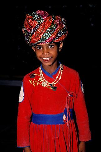 image 7-326-7 India, Rajasthan, Young dancer, Samode