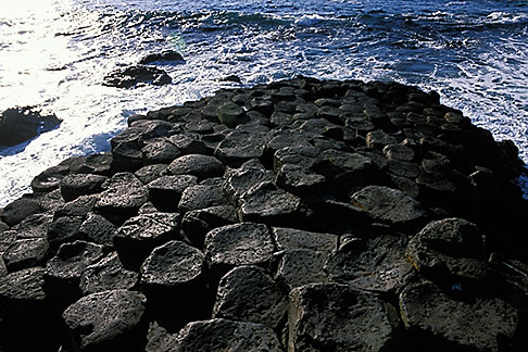 image 4-750-46 Ireland, County Antrim, Giants Causeway