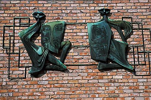 image 4-751-69 Ireland, County Antrim, Bushmills Inn, sculpture