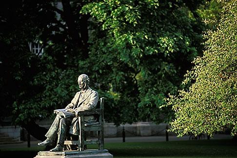 image 4-753-40 Ireland, Dublin, Trinity College